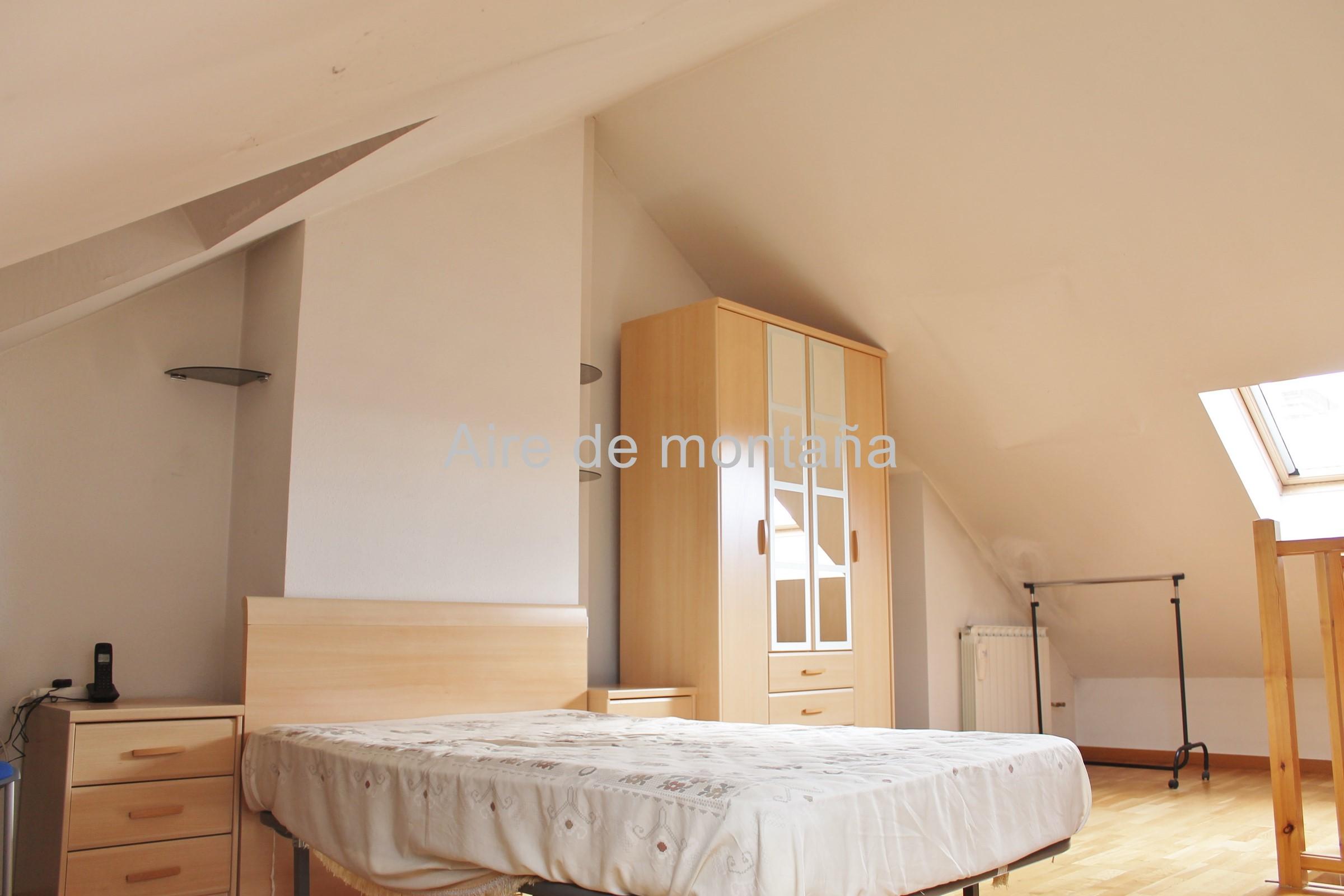 Venta de adosado en calle tejer a jaca aire de monta a - Comprar casa en jaca ...