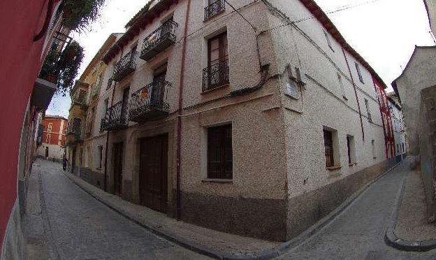 edificio en calle Puerta Nueva 9