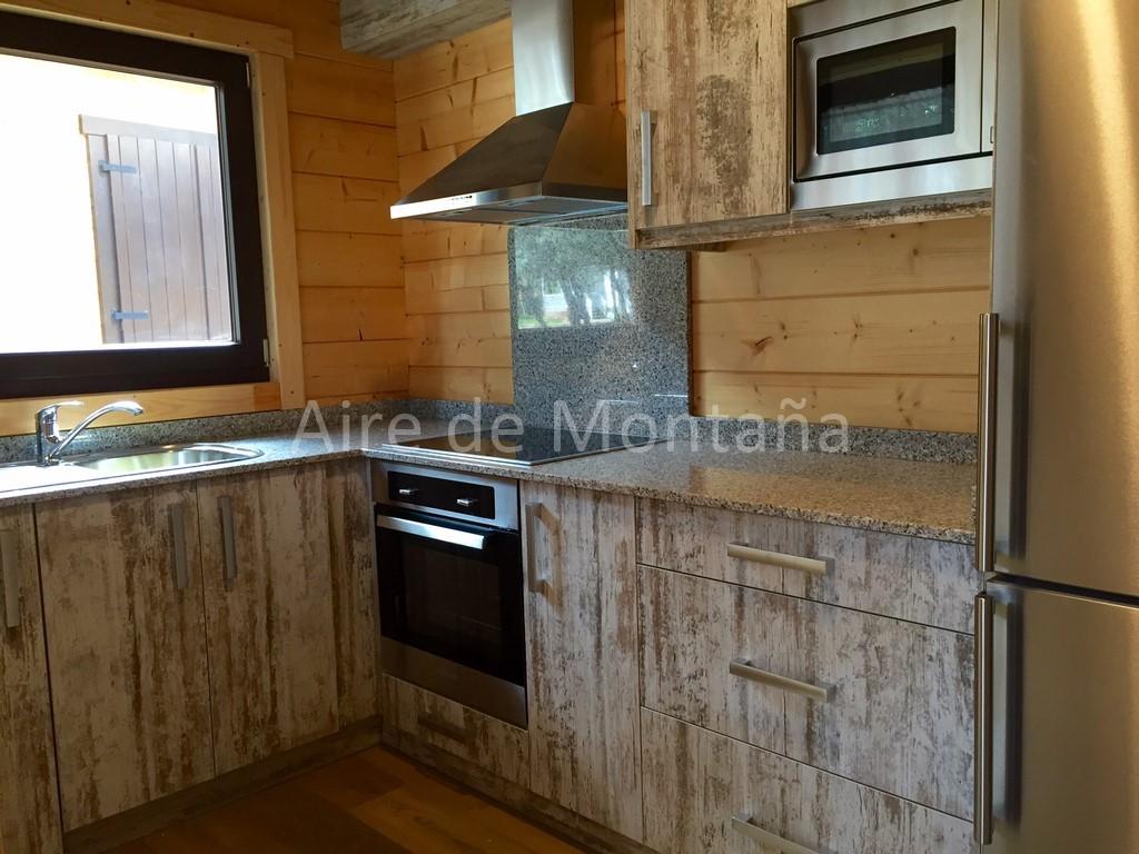Casas De Madera Con Parcelas En Centro De Vacaciones Pirineos Santa