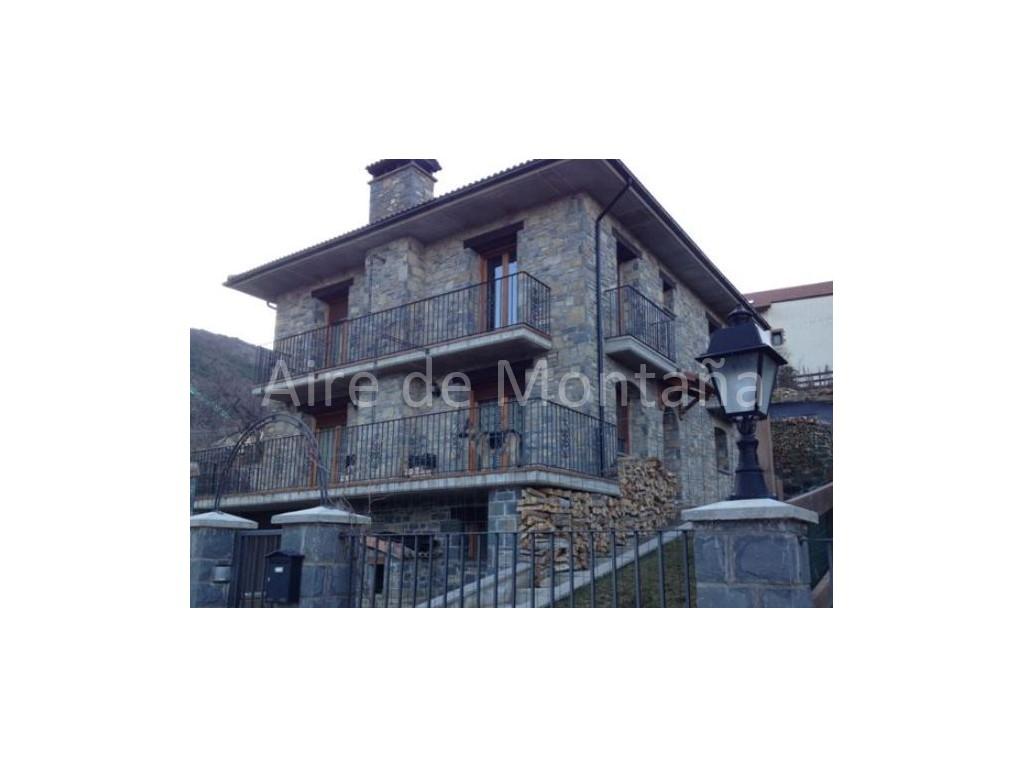 Preciosa casa de piedra en navasa a 10 minutos de jaca - Comprar casa en jaca ...